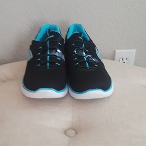 Skechers black and turquoise